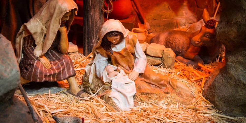 Krippenszene mit Maria, Josef und Jesus