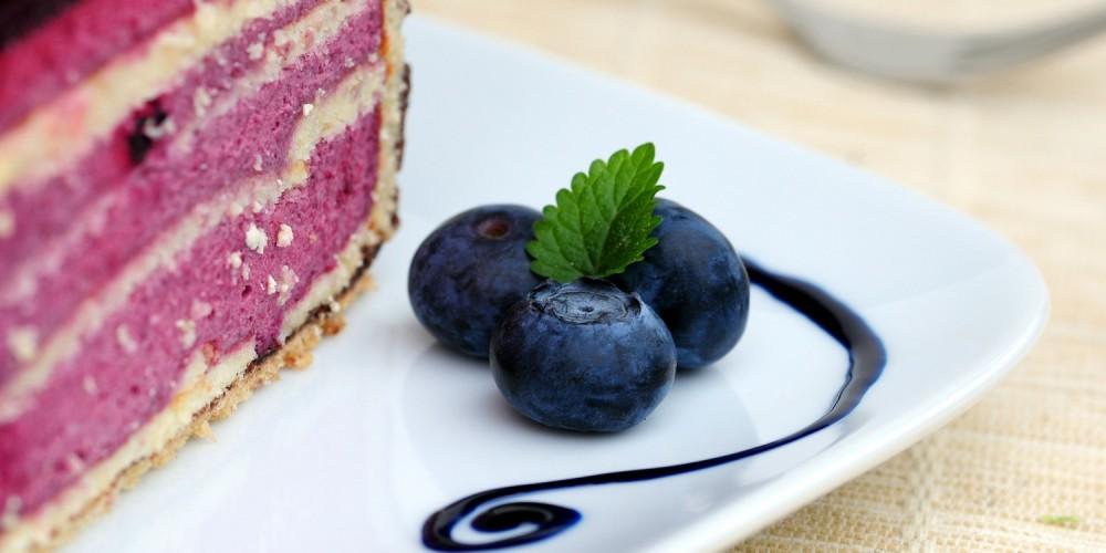 Eine selbstgemachte Torte kommt immer gut an